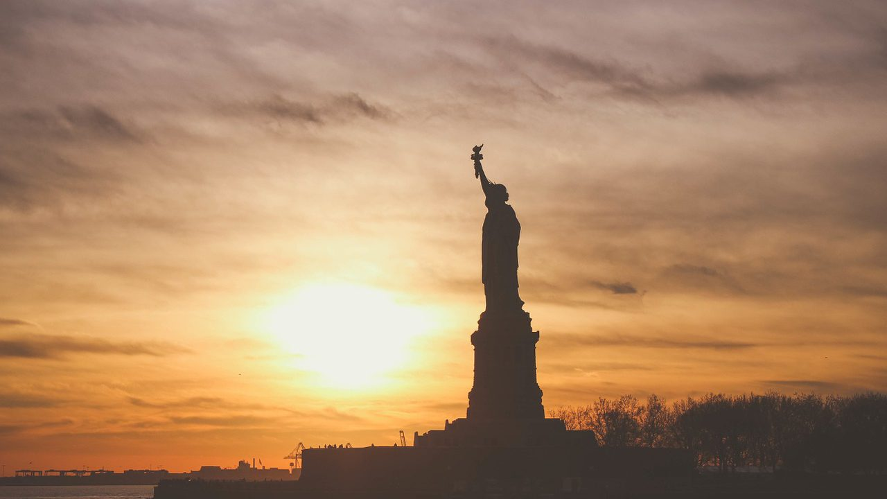 https://www.droithumain.pl/wp-content/uploads/2021/09/statue-of-liberty-1210001_1280-1280x720.jpg